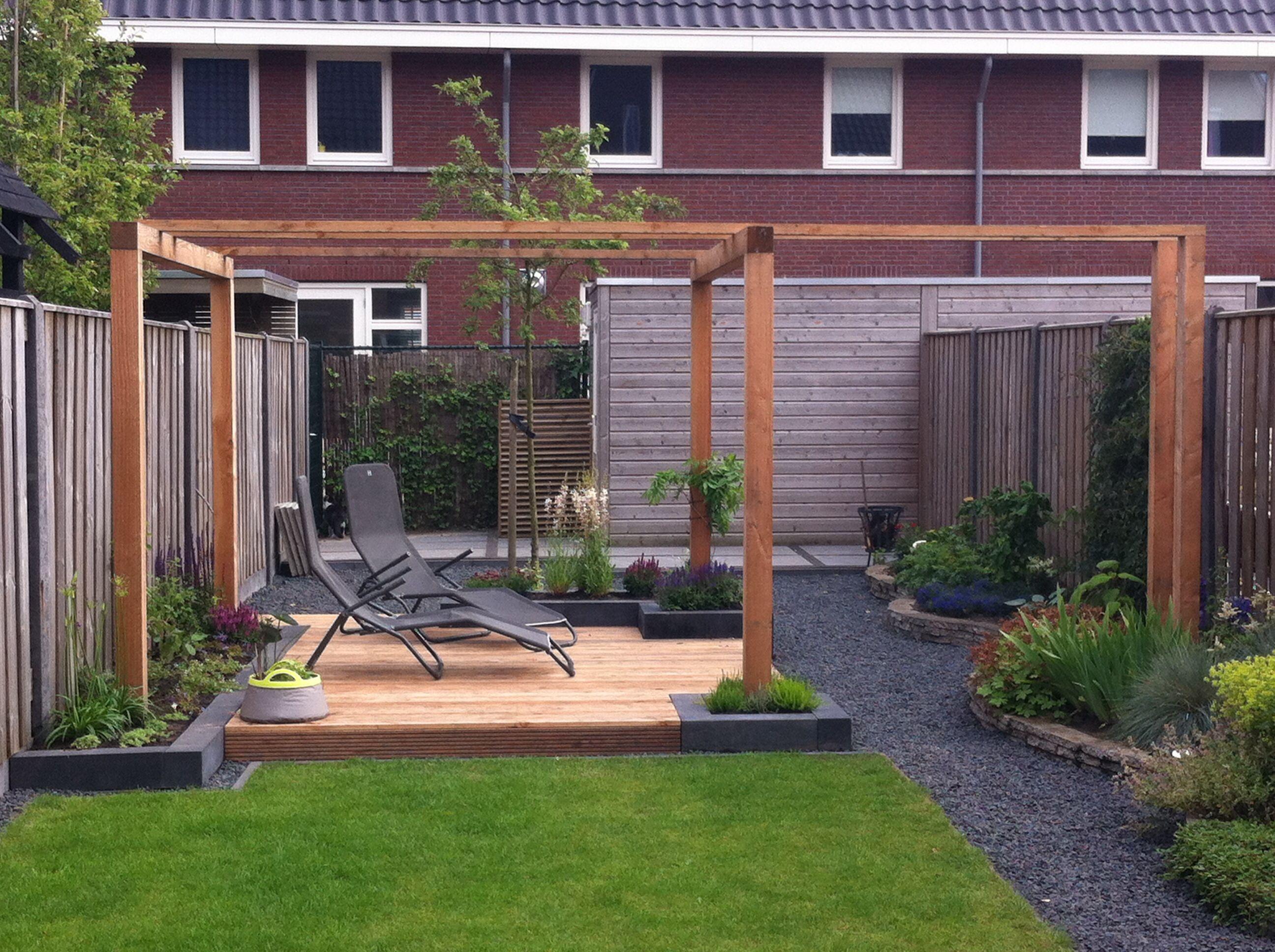 Moderne pergola voor in de tuin tuin pinterest tuin terras en voor het huis - Pergolas ijzeren smeden voor terras ...
