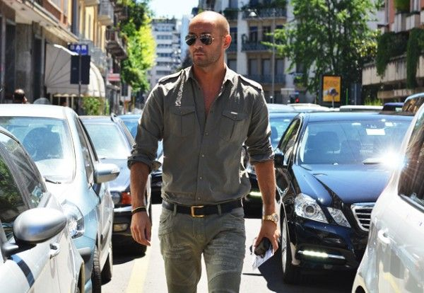 The Best Style Tips For Bald Men The Original Ray Ban Aviator In
