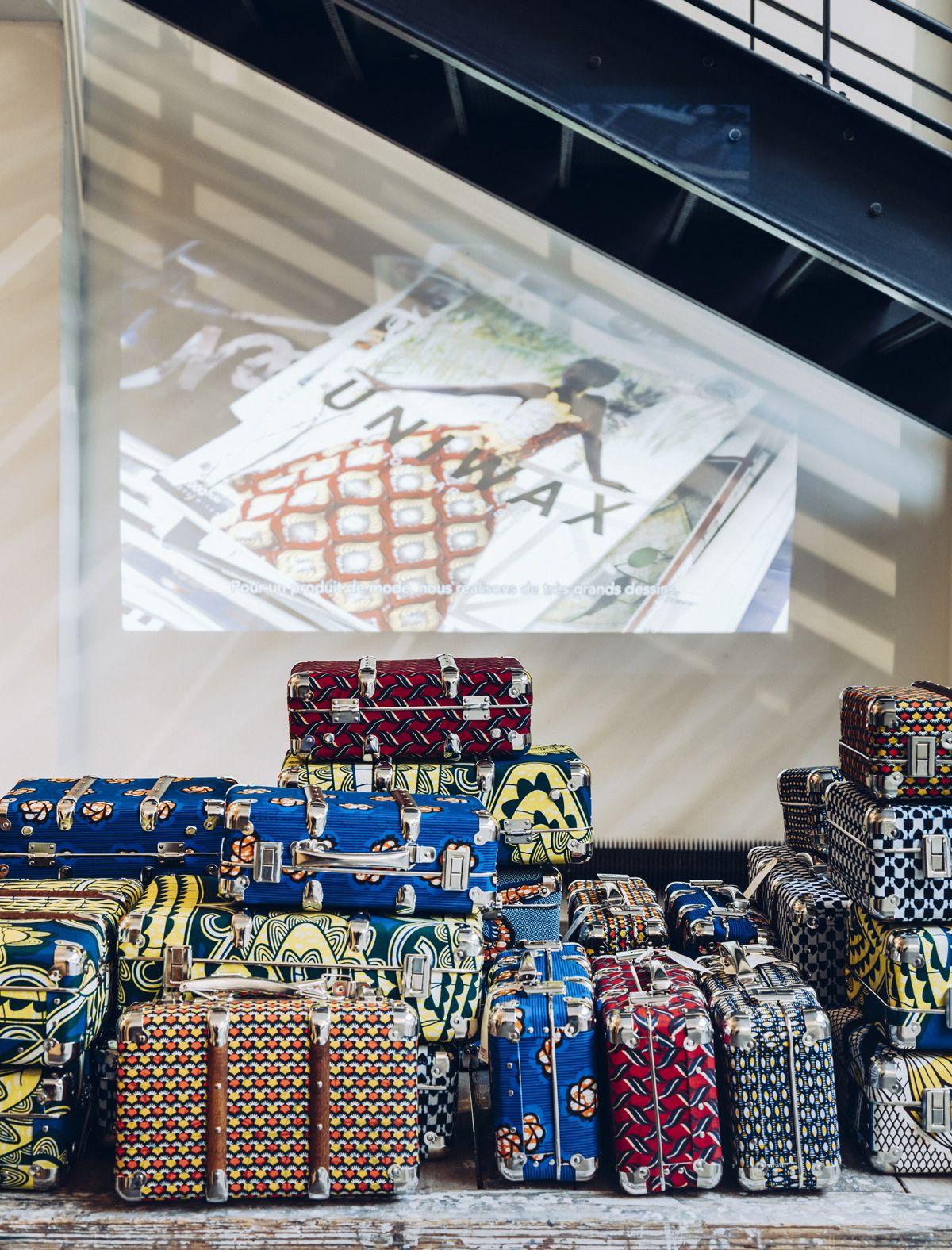 SO WAX - jusqu'au 26 Mars 2016   Merci met à l'honneur le wax, tissu emblématique du continent africain. A travers la jeune garde de créateurs africains, une collection mode signée Merci-Merci, des bijoux, des meubles et des objets, Merci nous fait découvrir une Afrique contemporaine, authentique et surtout sans folklore. Séduisante, enjôleuse, joyeuse et sensuelle...