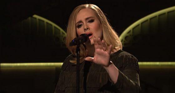 """Confira as performances de """"Hello"""" e """"When We Were Young"""", de Adele, no SNL #Adele, #Cantora, #Lançamento, #Musical, #Sucesso http://popzone.tv/2015/11/confira-as-performances-de-hello-e-when-we-were-young-de-adele-no-snl.html"""