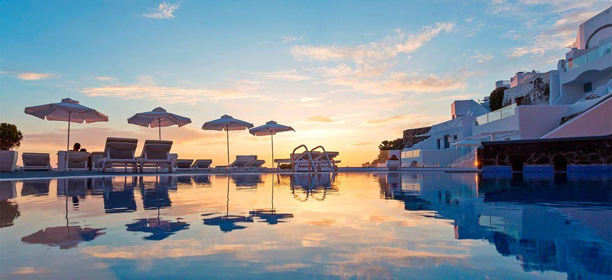 Pegasus Hotel (4288/night)  Santorini