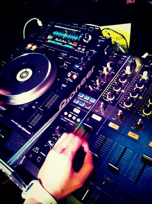 Pin By Edm Me On Edm Life Dj Music Freestyle Music Electronic Dance Music