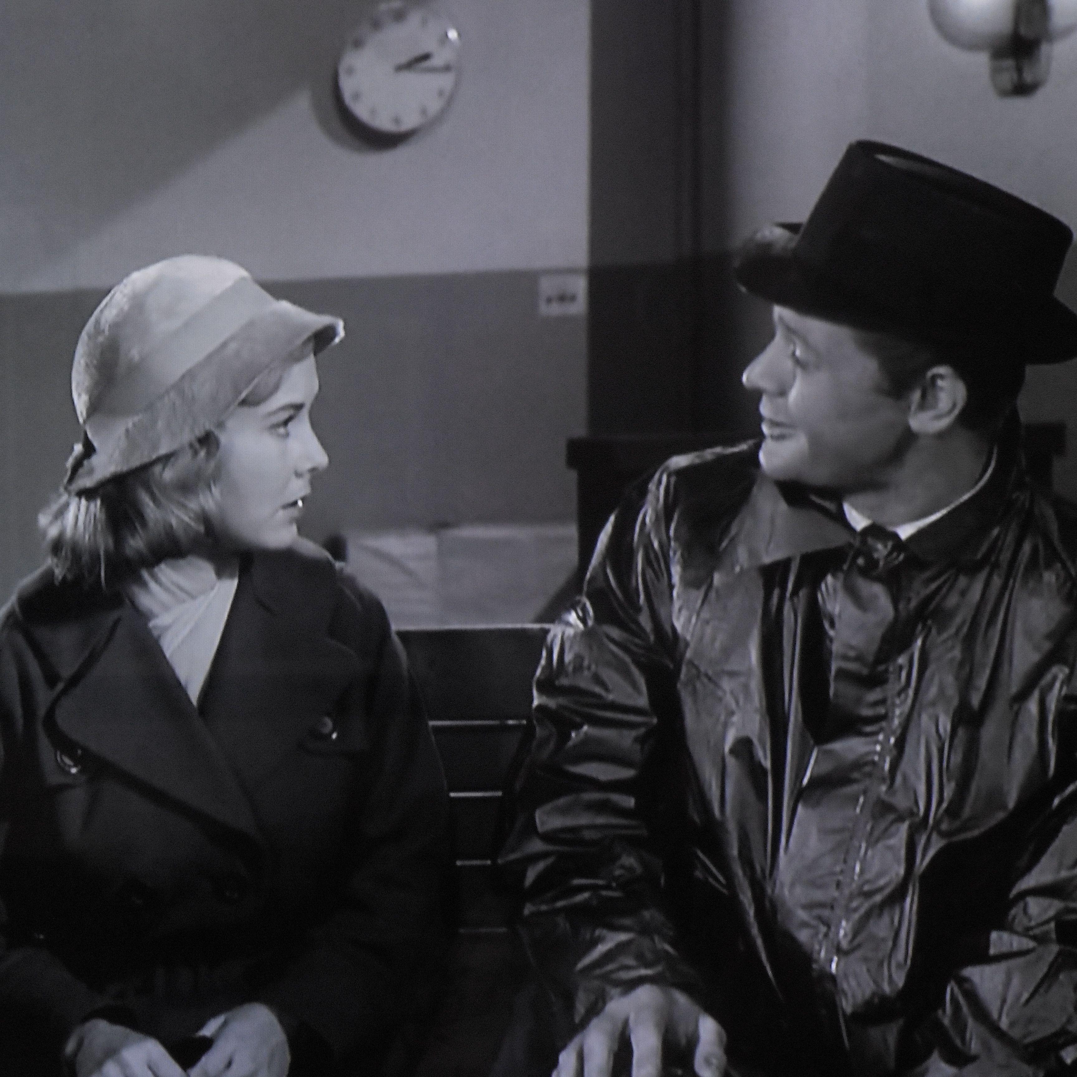 Vera Miles And Martin Milner Mirror Image 1960 Twilight Zone Martin Milner Television Show