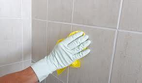 Come pulire le fughe di pavimenti e piastrelle
