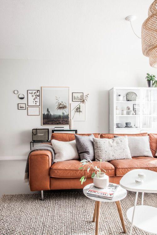 Wohnzimmer Couch In Apricot Leder!
