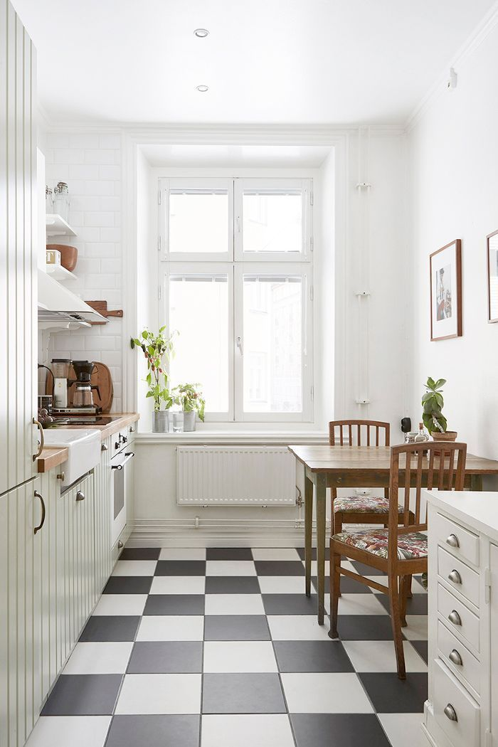 Love the vintage inspired feel of this clean and ...