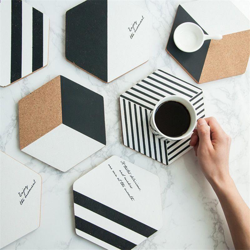 27 Fotografias De Disenos Interiores En Casas Modernas Seleccion Especial Diy Coasters Cork Diy Diy Cardboard Furniture
