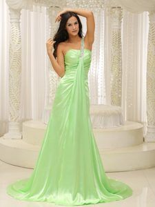 One Shoulder Ruched Impressive Prom Dresses with Beadings in Spring Green