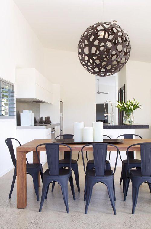 Salle à manger moderne   wwwm-habitatfr/par-pieces/salon-et