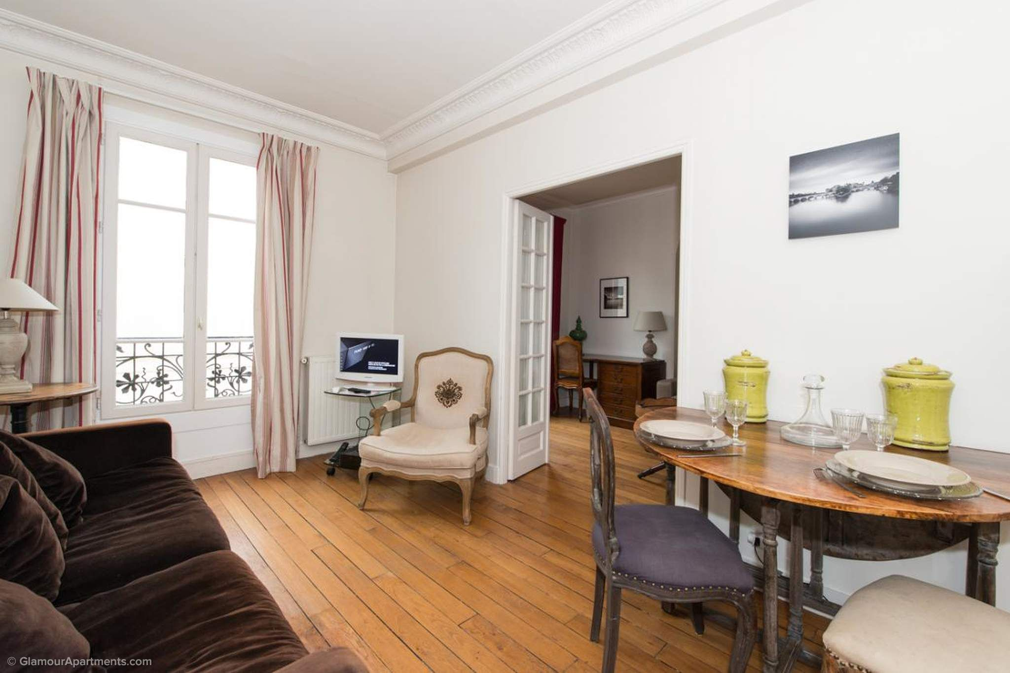 1 Bedroom Furnished Apartment For Rent On Rue Des Francs Bourgeois 4th Arrondissement In The Famous Le Marais Area Furnished Apartments For Rent Furnished Apartment 1 Bedroom Apartment