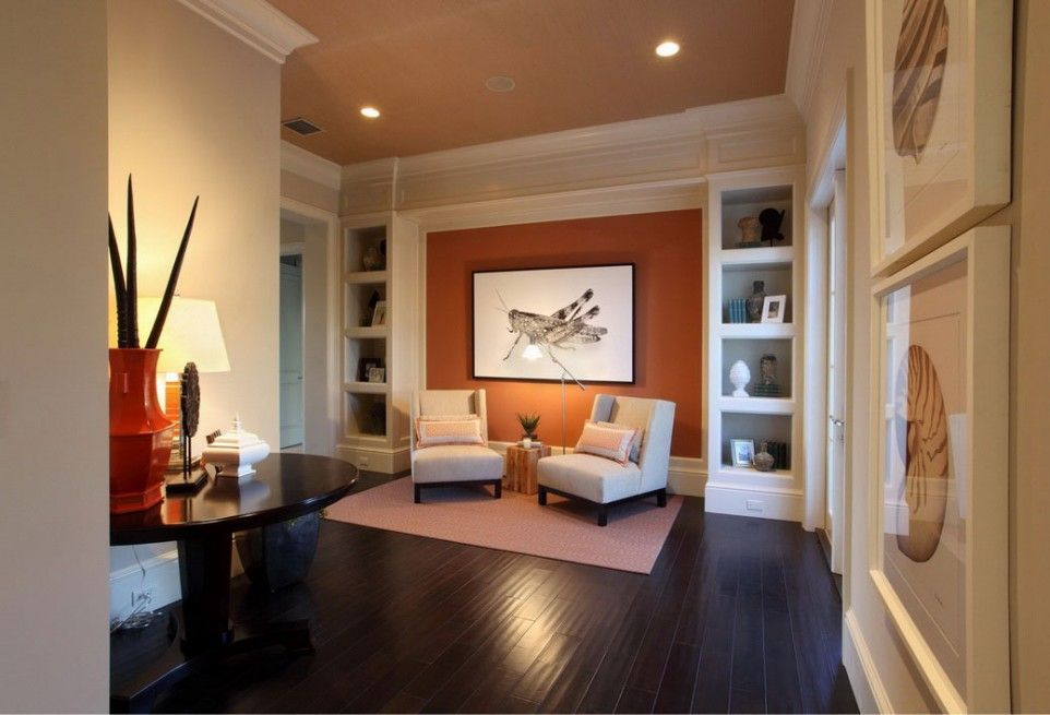 Apartment Interior, Accentuate Wall Painting: Painting Room Image