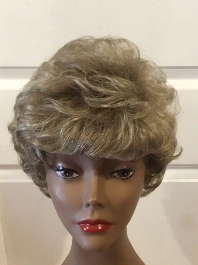 Eva Gabor Wig Dark Blonde Light Ash Blonde Frost Size Petite CLEAN GUC! (G-BRB)#Dark#Blonde#Light #lightashblonde