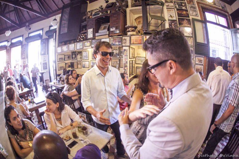 ♥♥♥  Casamento de boteco da Fabiola e do David O casamento de boteco da Fabíola e do Davi foi incrível! O casal tinha pouco pra gastar, mas muito amor e criatividade para distribuir... http://www.casareumbarato.com.br/casamento-de-boteco/