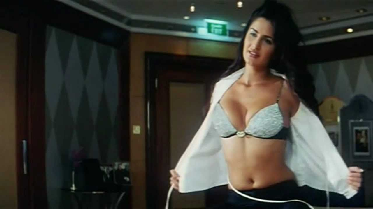 Katrina kaif hot in boom hd