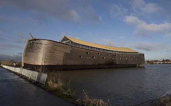 Holandés inauguró una réplica del arca de Noé en tamaño real