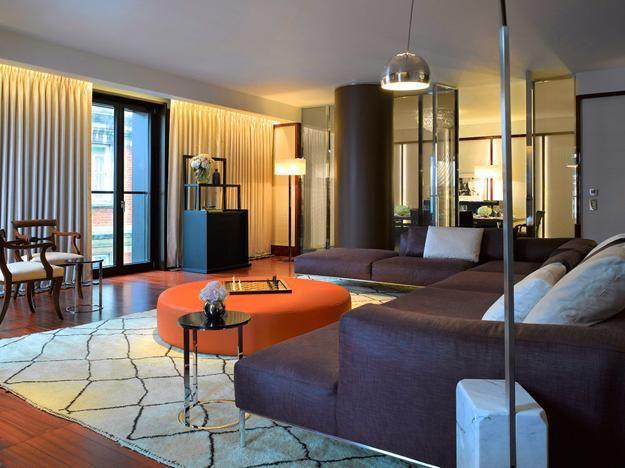 Modern interior design ideas blending italian style into for Luxury residential interior designers london
