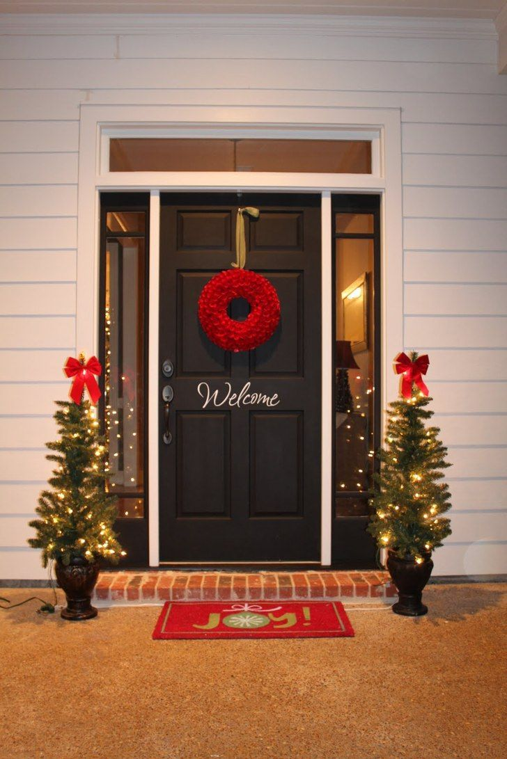 Outdoor Christmas Decorations For A Livelier And More Festive Celebration Outside Christmas Decorations Easy Christmas Decorations Porch Christmas Lights