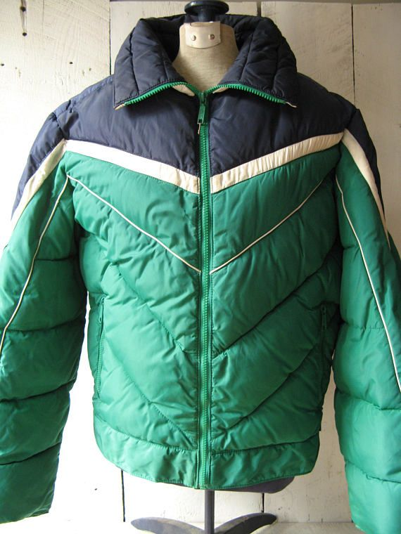 3a3ccab76263 Retro Men s Puffy Ski Jacket Mountain Goat by White Stag Size Large Made in  Korea Poly Down Filled 1970s 1980s