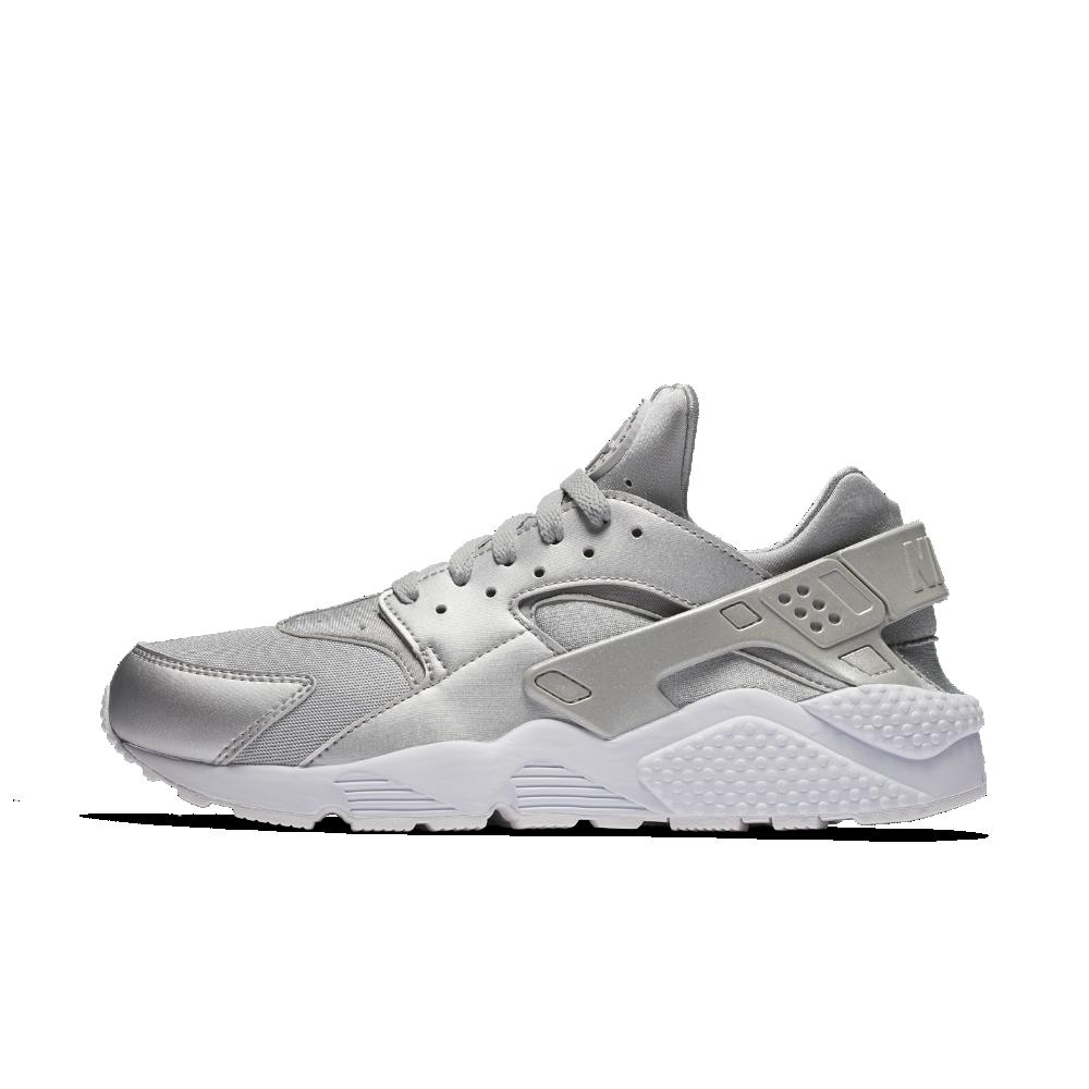 buy popular 18d95 3aac7 Nike Air Huarache Premium Men s Shoe Size 11.5 (Silver)