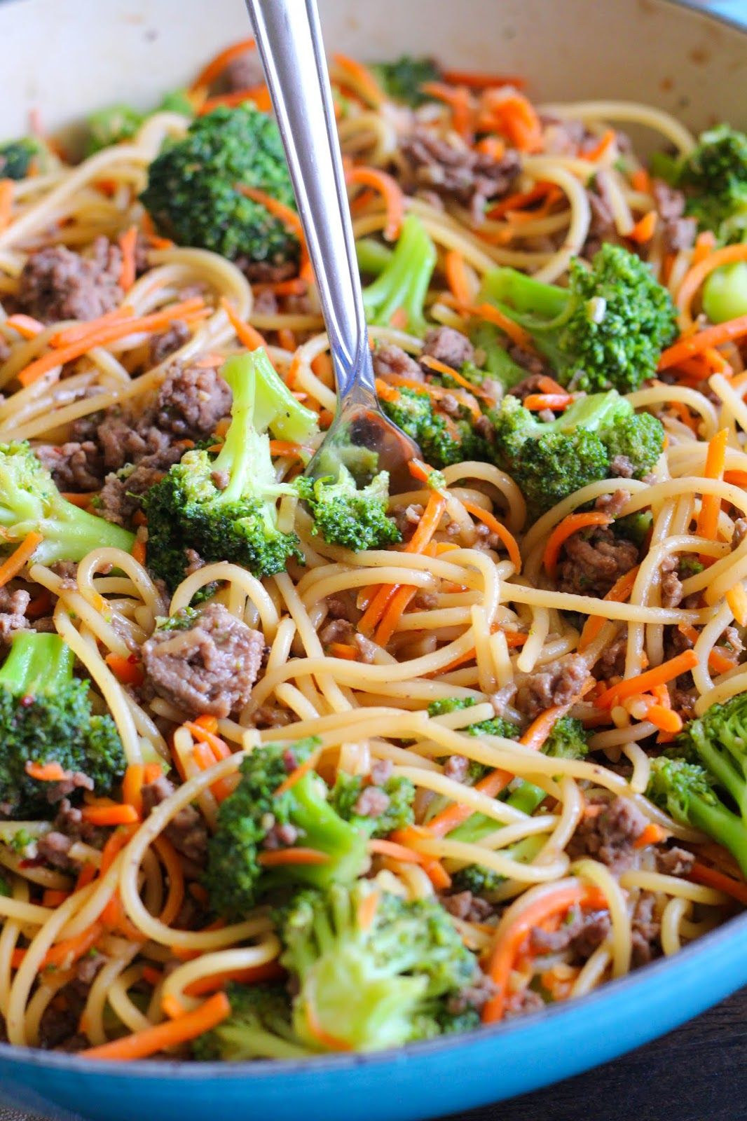 Easy Ground Beef Lo Mein In Under 30 Minutes Dinner With Ground Beef Ground Beef Recipes For Dinner Beef Recipes For Dinner