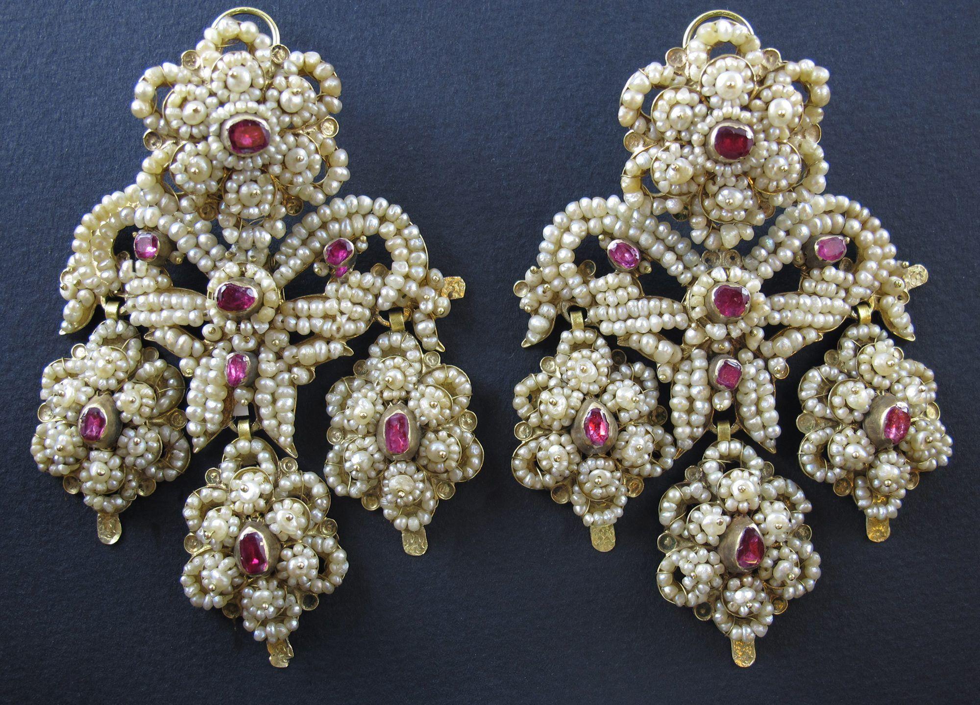 Orecchini Antichi Oro Perle Girandoles Borbonici Rubini Gioielleria Pennisi Pearl Bridal Jewelry Gothic Jewelry Jewelry Design Necklace