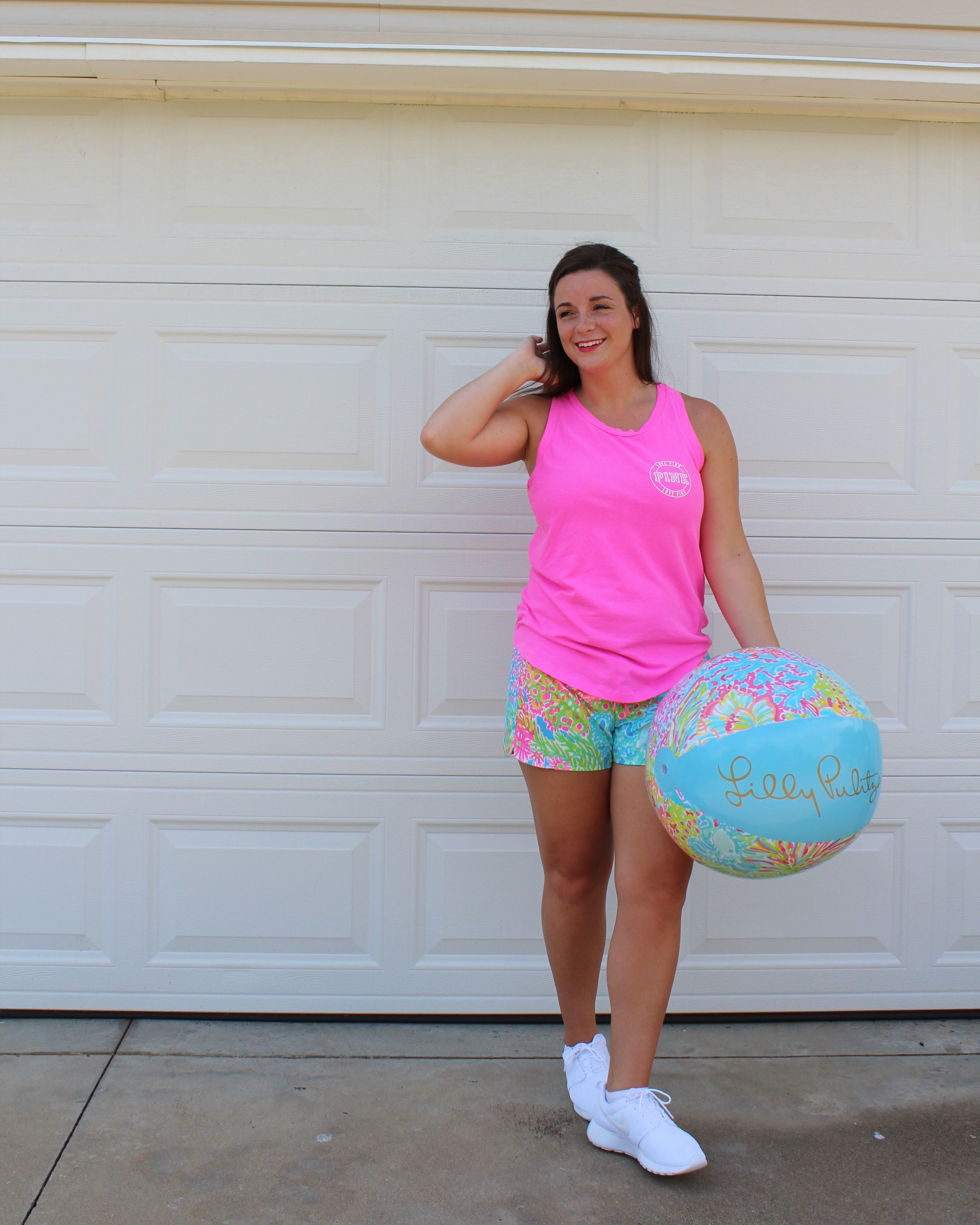 Lilly Pulitzer Luxletic Shorts in Lovers Coral @lillypulitzer