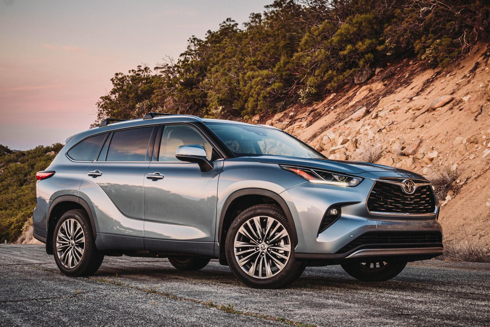 2020 Toyota Highlander Test Drive Review The Every Family S Suv In 2020 Toyota Highlander Highlander Toyota