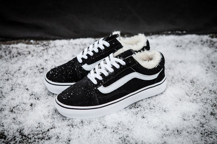 190c4ab13c Vans Old Skool Black Fleece Inner Winter Skate Shoes  Vans ...