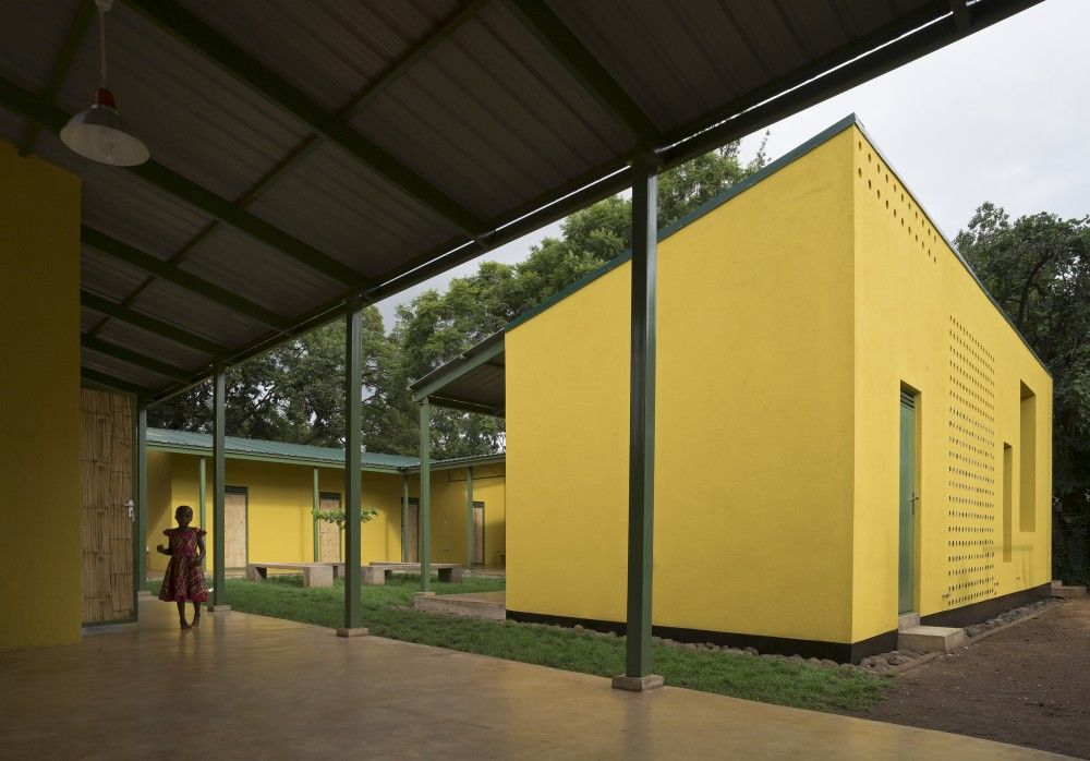 KWIECO Shelter House / Hollmén Reuter Sandman Architects