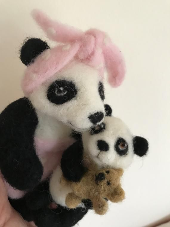 Panda/Mother's Day gift/Needle felted Pandas/Mom and Baby Pandas/Bear Gift/Baby Shower Gift/Mothers Day Gift/Panda Gift/Panda Wool Sculpture #babypandas