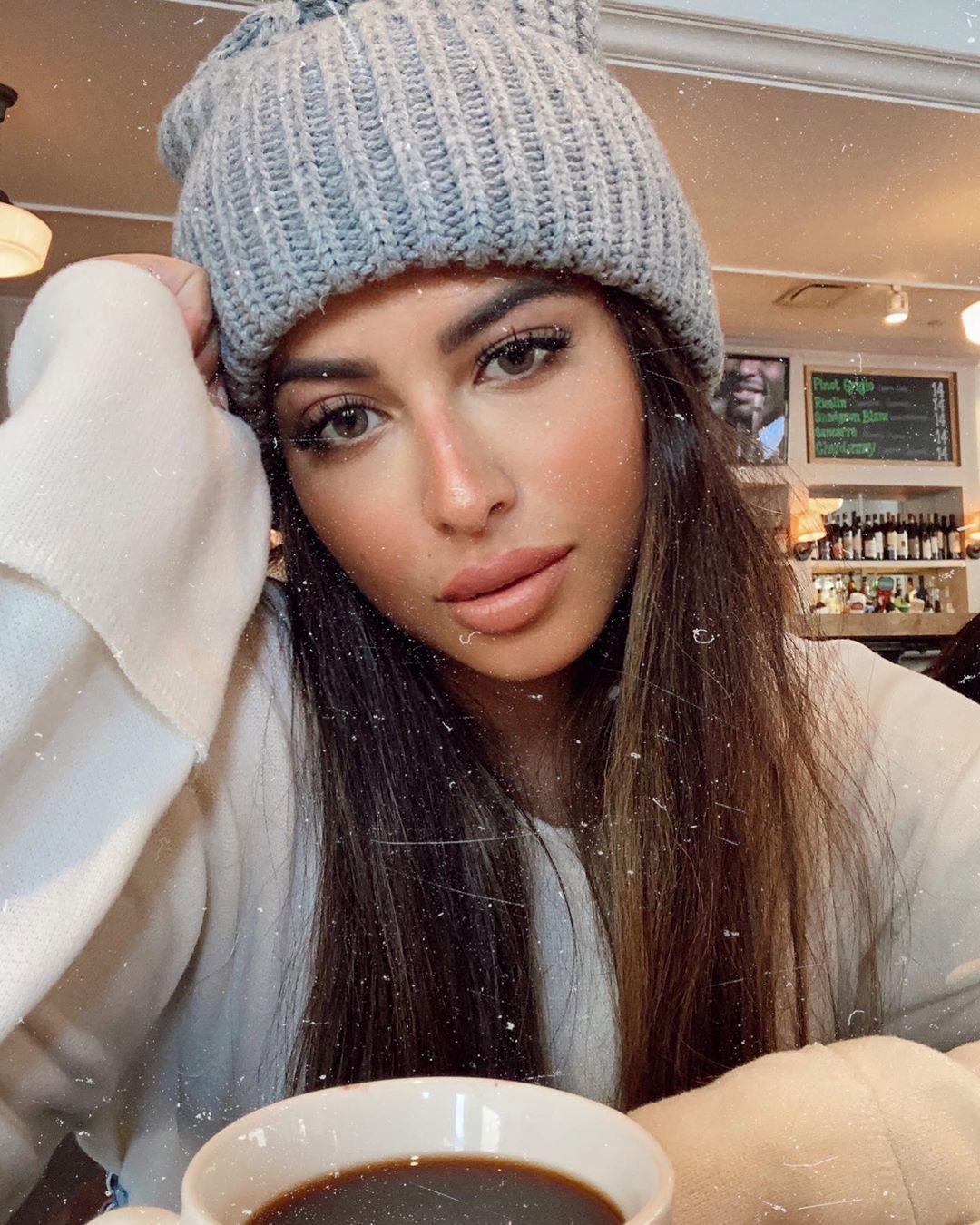 Lama Alakeel لما العقيل On Instagram Cozy Mornings Lenses Clay Diva Lenses العدسات من ديفا اللون Clay متوفرة في النهدي Knitted Hats Fashion Knitting