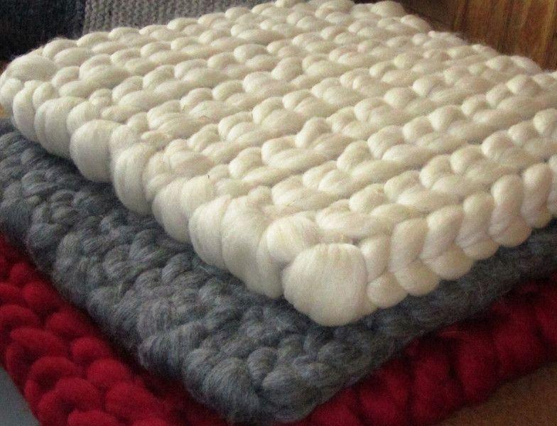 sitzkissen aus weicher schaf schurwolle 35x35cm. Black Bedroom Furniture Sets. Home Design Ideas