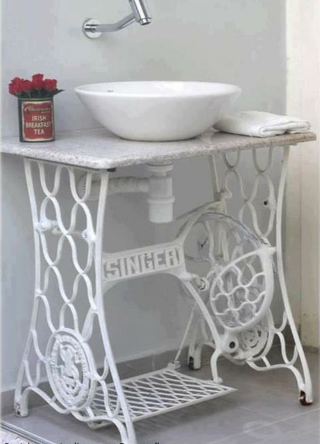 D co design r cup ou lorsque les vieux objets reprennent - Table machine a coudre singer ...