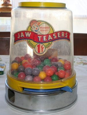 Jaw Teasers Gumball Machine