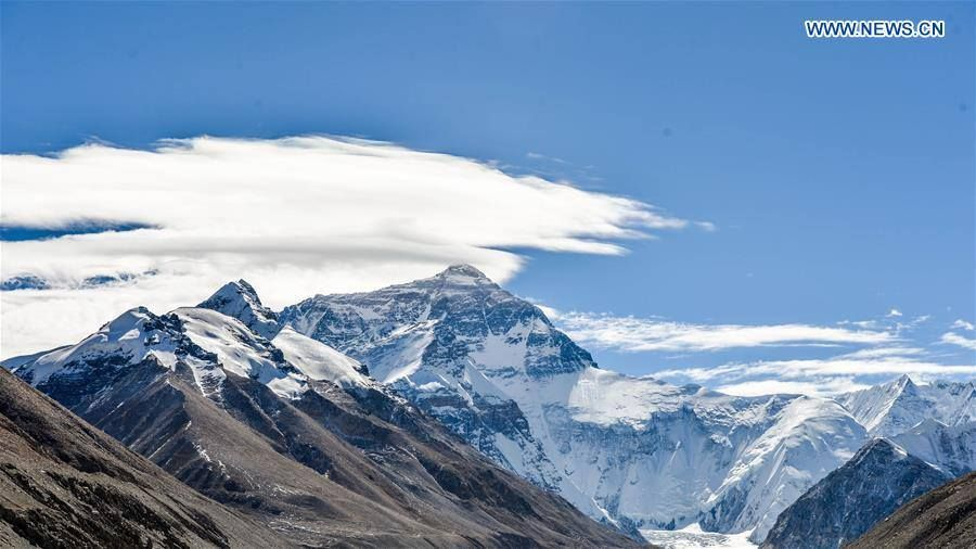 Views of the world's highest peak on Mount Everest (珠穆朗玛峰), standing at altitude of 8844.43 meters. [Photo: Xinhua / Bai Yu] via Discover China