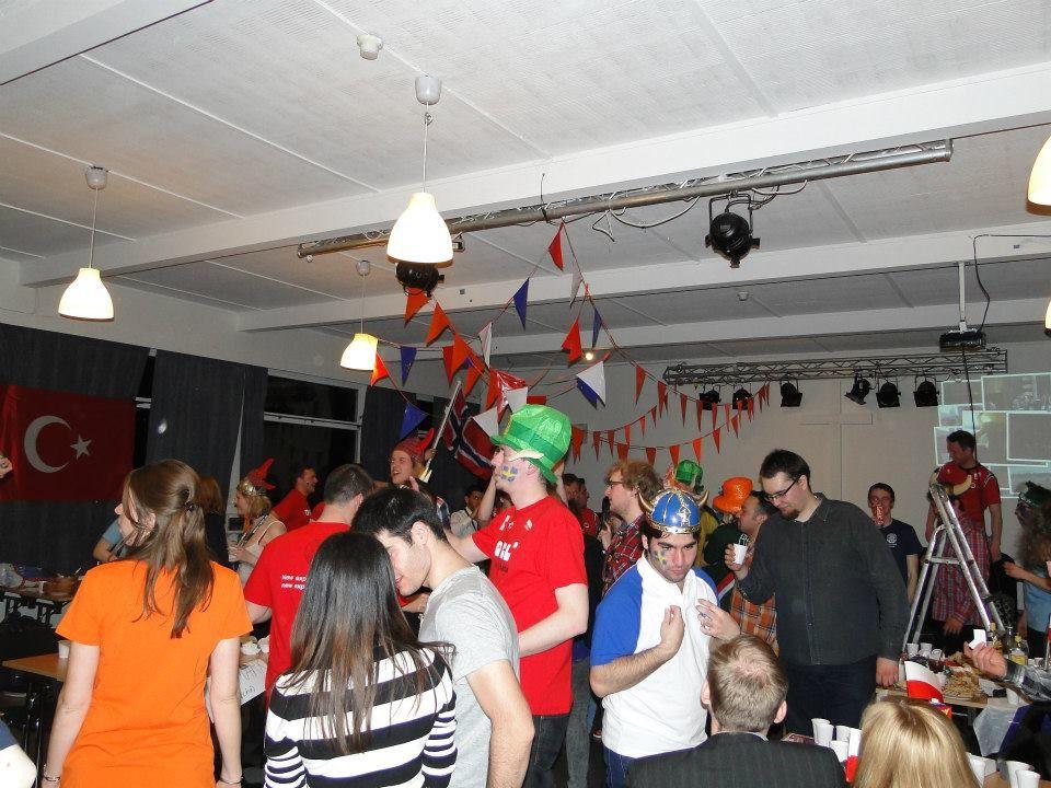 partyyyy :)