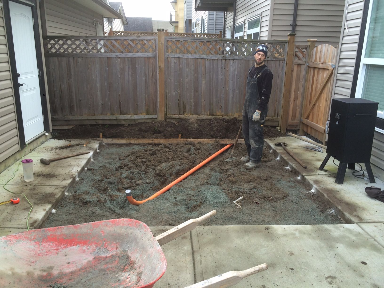 Customer Called Last Minute About Getting A New Hot Tub Delivered So We Ran Out This That Morning Excavated Formed Installed Co Installation Rebar Concrete