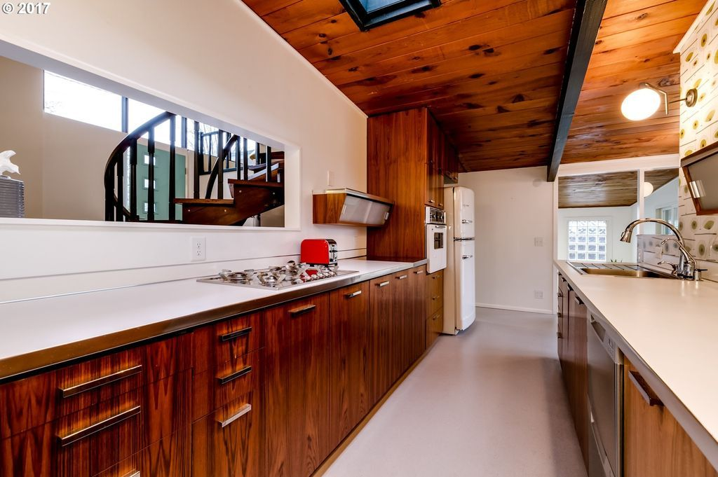 ... Architect Denorval Unthank, Jr., That Has Been Exceptionally Restored  And Updated To Better Than Its Original Glory! Modern Kitchen And Baths,  Central ...