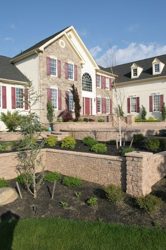 Front Yard Retaining Wall With Piers Home And Garden Design Idea S