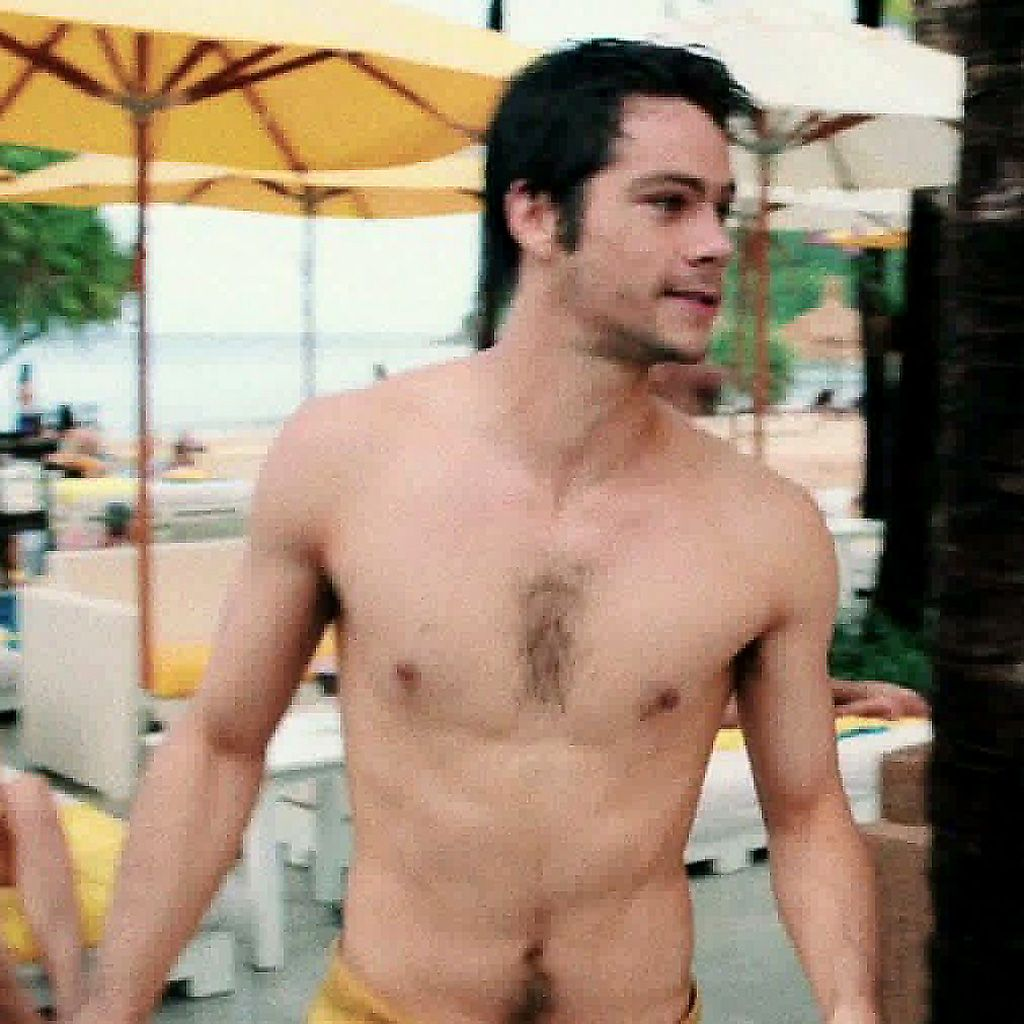 Theres the money shot! Dylan OBrien shows off his