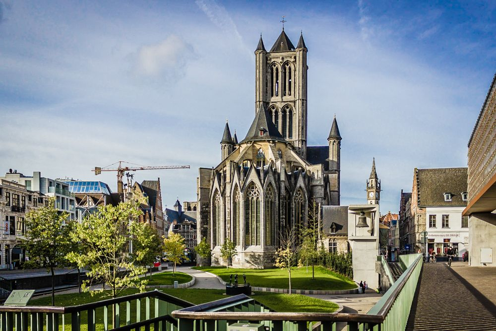 We wilden al een tijdje naar België. Het is een mooi land met enkele mooie steden. Gent was de volgende op de lijst. Hierbij ons verslag!