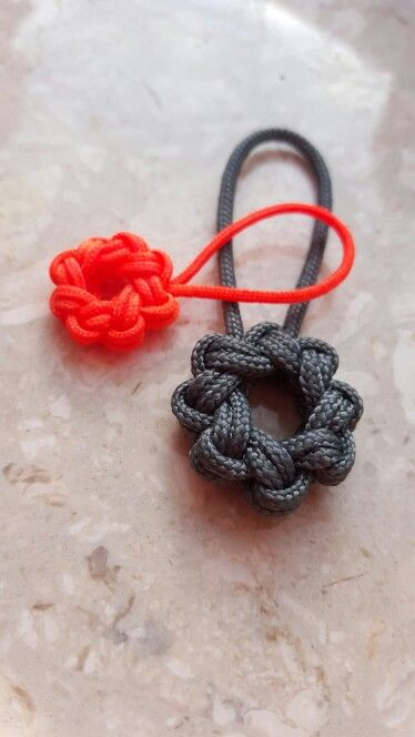 Single Strand 8-point star knots | knot tying | Paracord