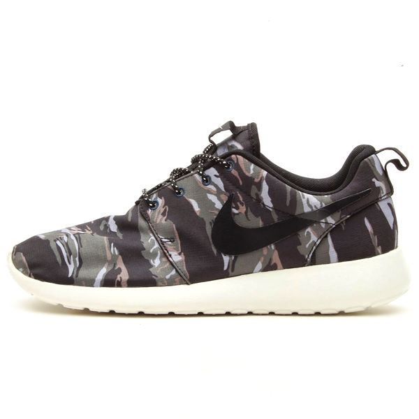 nike roshe run tiger stripe camo – black