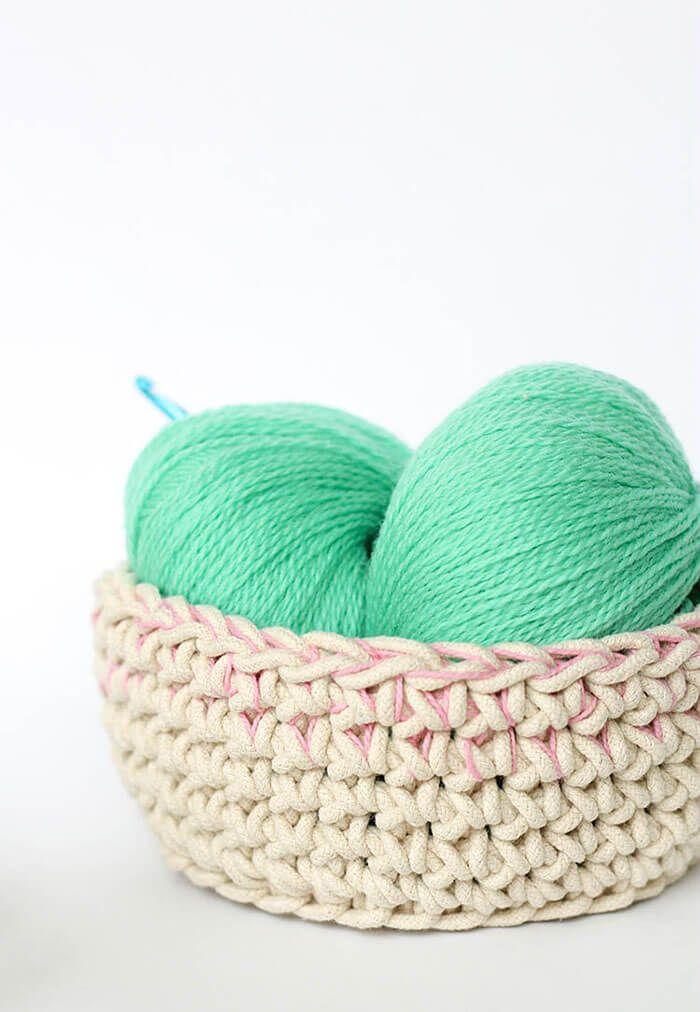 Color Block Crochet Baskets - Free Pattern   Crochet Inspirations ...