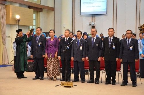 Pelantikan Tujuh Dekan di Universitas Negeri Yogyakarta