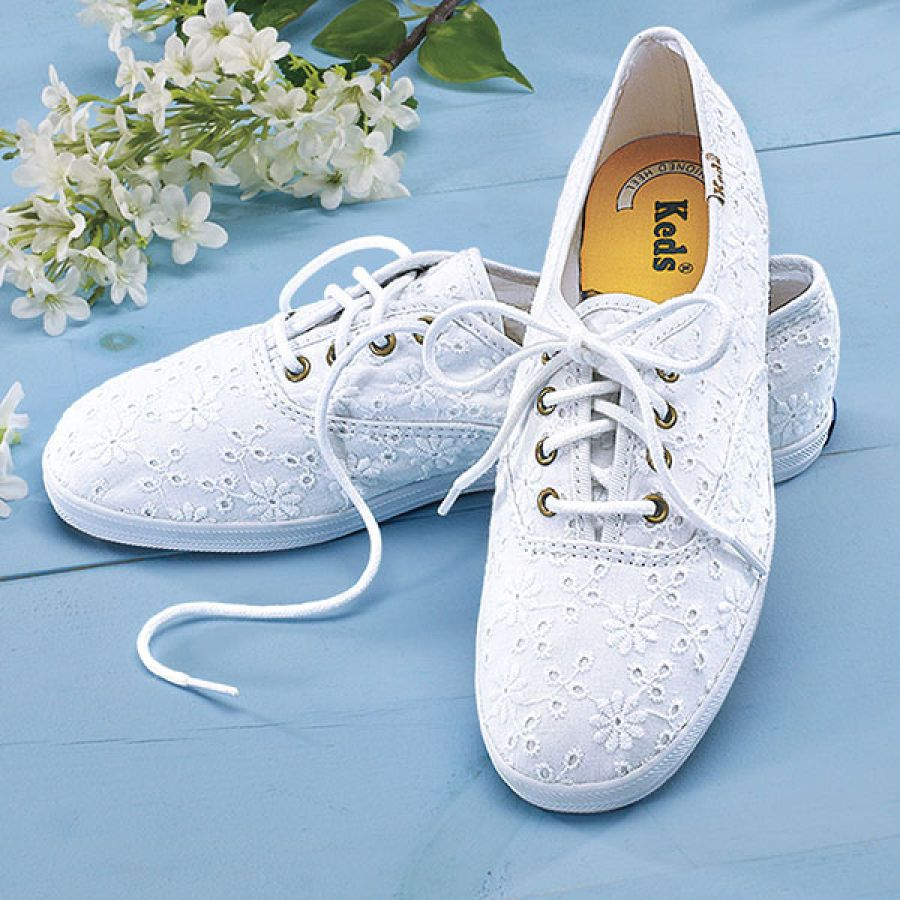 393817e4c68 Eyelet Lace Keds®. Need I say more  So glad I just found these in stores!  Now I just need high waisted shorts.
