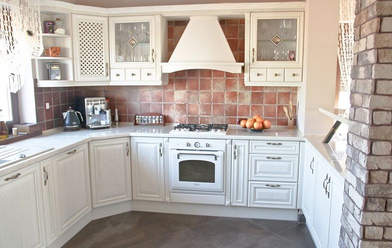 Kuchnia Klasyczna Kuchnia W Stylu Klasycznym House Design Kitchen Kitchen Cabinets