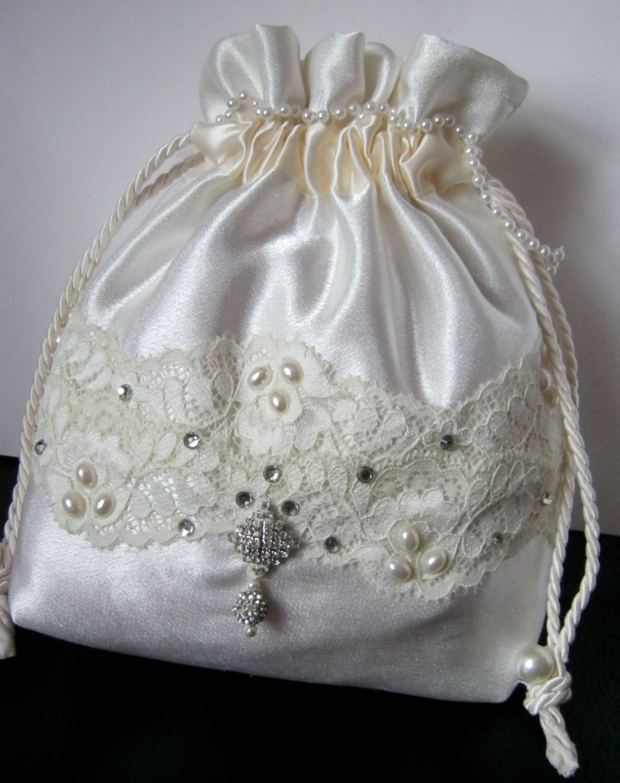 White satin drawstring pouch 90fab3a23f892