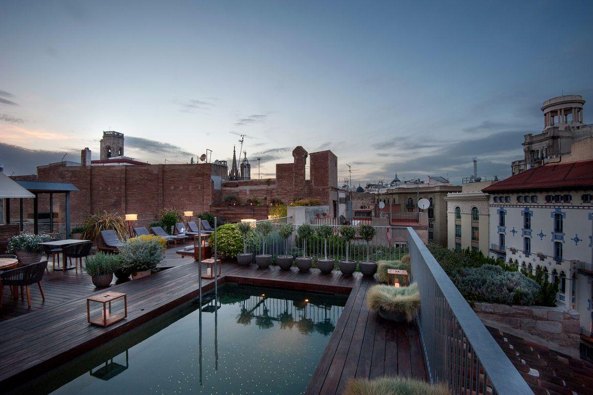 Les 5 Plus Beaux Hôtels Avec Rooftops à Barcelone
