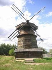 Интерьер старой мельницы. Музей деревянного зодчества. Музеи Суздаля.
